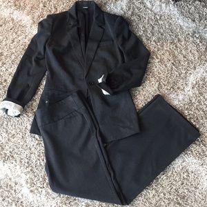 EXPRESS Editor suit - charcoal gray, sz 4